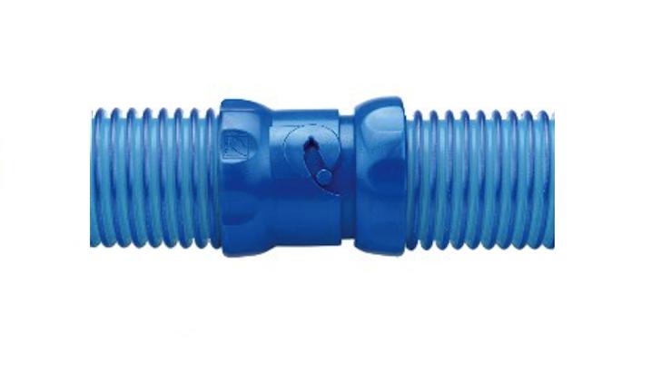 Twist lock hoses